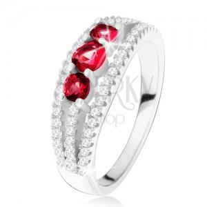 Ezüst gyűrű 925, három rubin kő, cirkóniás sávok