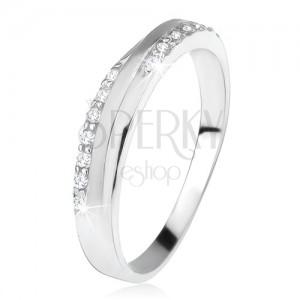 Gyűrű 925 ezüstből, ferde, matt sáv, cirkóniás vonalak között