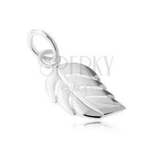 Medál - 925 ezüst, fényes, sima, lekerekített levél bemetszésekkel
