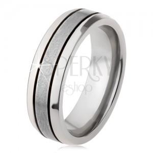 Fényes, titánium gyűrű, ezüst színben, lekerekített felülettel, két bemetszés