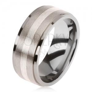 Ezüstözött gyűrű titánból, matt felülettel, kétszínű sávozott motívummal
