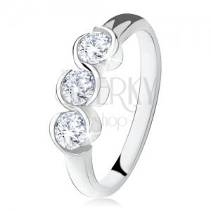 Gyűrű három tiszta kővel, ívelt vonalak, ezüst 925