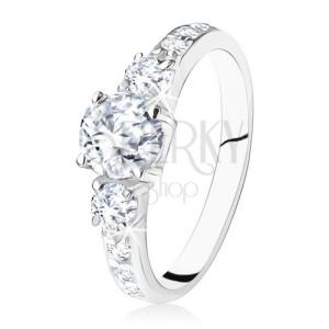 Csillogó, eljegyzési gyűrű, 925 ezüstből, három cirkónia, díszített szárak