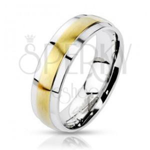 Acél gyűrű ezüst színben, kiálló matt sáv arany színű árnyalatban