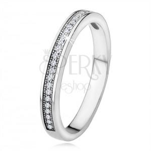 925 ezüst gyűrű, szűk szárak, vízszintes vonal átlátszó kövekből