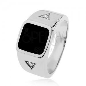 925 ezüst gyűrű, négyzet fekete fénymázzal, háromszögek cirkóniával