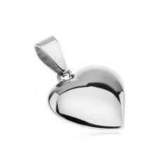 Fényes acél medál, enyhén kidomborodó, aszimmetrikus ezüst színű szív