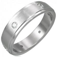 Matt acél gyűrű - hat beágyazott cirkónia