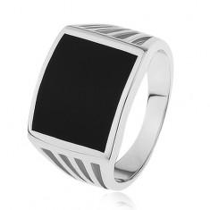 Gyűrű 925 ezüstből - fekete téglalap, dísz kivágások a szárakon