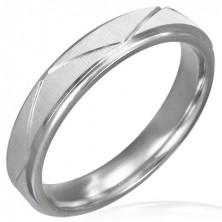 Sebészeti acél gyűrű - matt felület, átlós vonalak