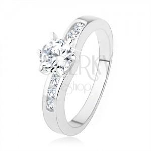 925 ezüst gyűrű, kerek átlátszó cirkónia, díszített gyűrű szárak