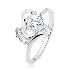 Gyűrű 925 ezüstből, domború átlátszó cirkónia szívkörvonalban