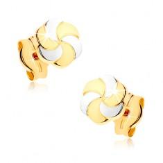375 arany fülbevaló - kétszínű virág gravírozott szirmokkal