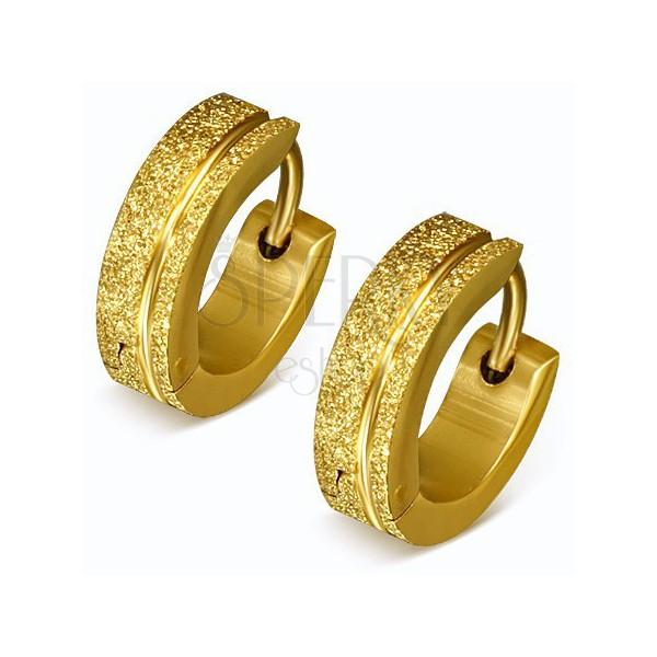 Csillogó acél fülbevaló arany színben, szemcsés karika, sáv