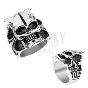 Acél gyűrű ezüst színben, koponya szarvakkal, szív, golyók, szögletes vonalak