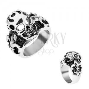 Gyűrű sebészeti acélból ezüst színben, patinált koponya, Fleur de Lis