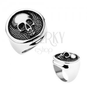 Gyűrű 316L acélból, karika kidomborodó szegéllyel, koponya, fekete patina