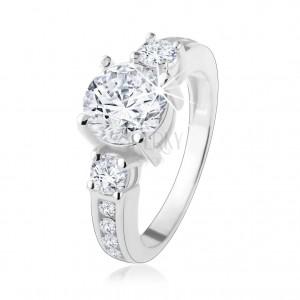 925 ezüst gyűrű, kiemelkedő átlátszó cirkónia, díszített szárak