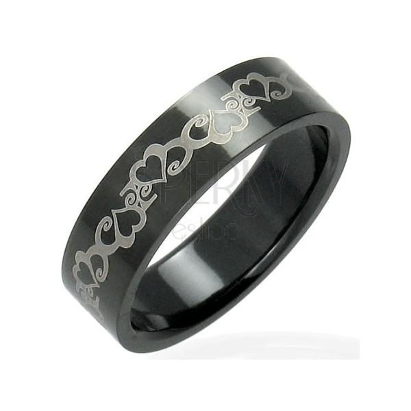 Fekete acél gyűrű szívekkel