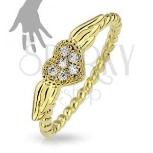 Gyűrű arany színben, spirálos minta a szárakon, szívecske szárnyakkal
