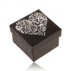 Fekete ajándékdoboz gyűrűre, szív ezüst színben mintával