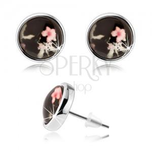 Kerek fülbevaló átlátszó kidomborodó üveggel, rózsaszín és fehér virág, fekete alap