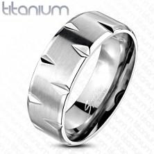Titánium gyűrű - szatén felület bemetszésekkel díszítve