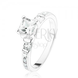 Eljegyzési gyűrű 925 ezüstből, négyzetes átlátszó kő, átlátszó cirkóniás vonal