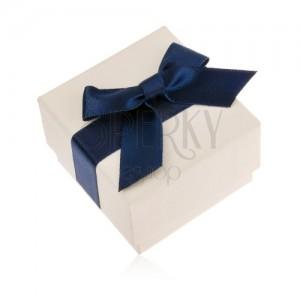 Krémszínű ajándékdoboz gyűrűre, medálra vagy fülbevalóra, kék masni