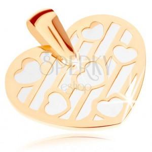Medál 9K sárga aranyból - szív kivágásokkal díszítve, gyöngyházfényű alap