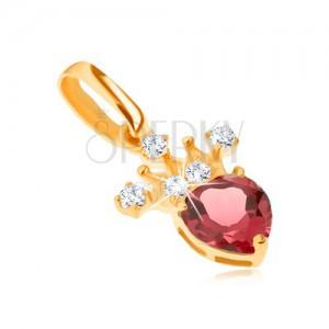 Medál 14K sárga aranyból, cirkóniás korona, piros, szívecskés gránát