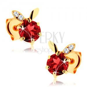 Fülbevaló 14K sárga aranyból - kerek, piros gránát, két levélke