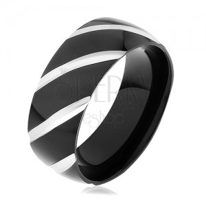 Fekete acél karikagyűrű, fényes felület ferde bemarásokkal díszítve