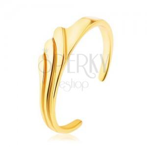 925 ezüst gyűrű arany színben, tükörfényes,  három hullámos vonal gravírozás mintával