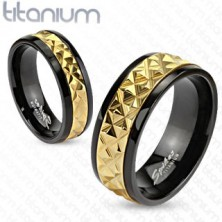Titán gyűrű - fekete, arany mintával