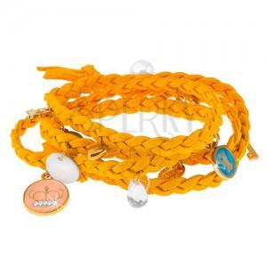 Fonott karkötő sárga színben, apró medálok eltérő alakban és színben