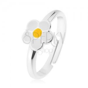 925 ezüst gyűrű, fehér fénymázas virág, sárga középpel, tükörfényes