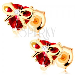 375 arany fülbevaló - szív piros gránátból, szorosan átkötott szalaggal