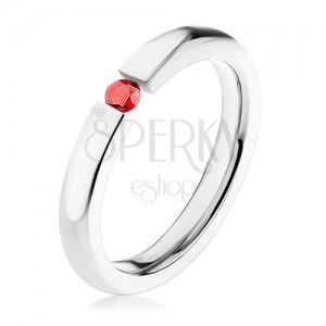 Gyűrű sebészeti acélból, vékony lekerekített szárú, piros cirkónia dísszel, 3 mm