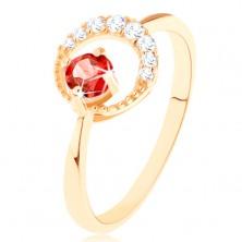 375 arany gyűrű - cirkóniás holdsarló, kerek piros gránáttal díszítve