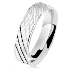 925 ezüst gyűrű, recés felszín, fényes szélek és ferde bevágások