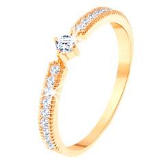 Gyűrű 14K sárga aranyból - kerek átlátszó cirkónia, vékony cirkóniás sáv az oldalain