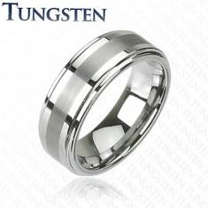 Tungsten gyűrű sötétszürke árnyalatban, fényes csiszolt középső sáv, 8 mm