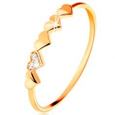 14K sárga arany gyűrű - kis fénylő szívek, átlátszó cirkóniák