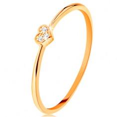 14K sárga arany gyűrű - szívecske cirkóniákkal díszítve