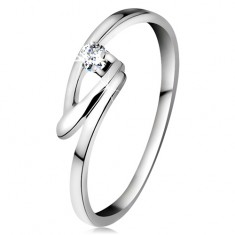 Gyűrű fehér 14K aranyból csillogó brilliánssal átlátszó színben, hajlított vonalak