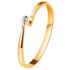 Brilliáns gyűrű sárga 14K aranyból - gyémánt foglalatban a szűkített szárak között