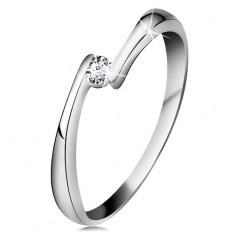 Gyűrű fehér 14K aranyból - átlátszó gyémánt a szűkített szárvégek között