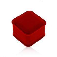 Bársony ajándékdoboz gyűrűre vagy fülbevalóra, szögletes alak, piros árnyalat