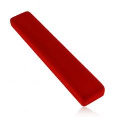 Piros ajándékdoboz, hosszúkás, bársonyos felülettel